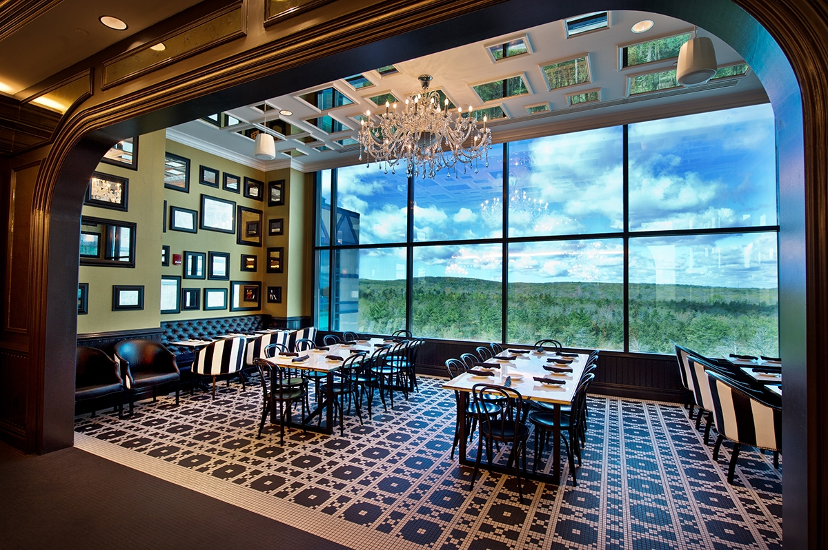 <b></b> The Sugar Factory at Foxwoods Resort Casino offers panoramic views of the eastern Connecticut countryside.