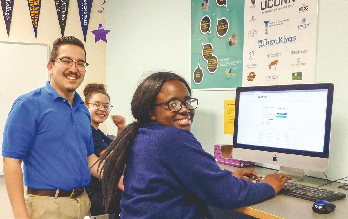 Higher Edge Program Manager Mauro Diaz-Hernandez works with students. (Photos by Toni Leland)