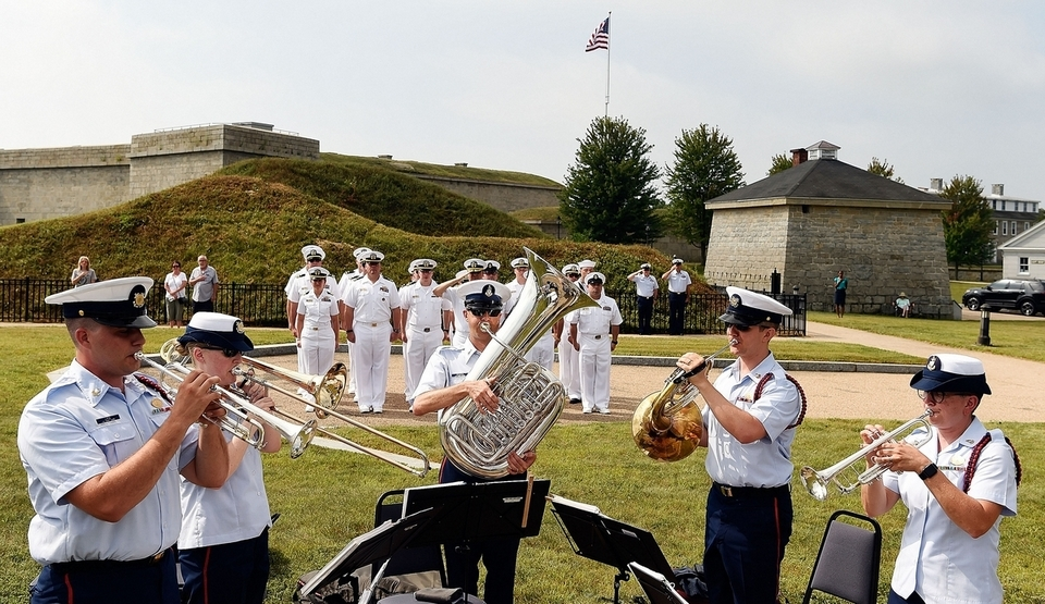 The United States Coast Guard Band brass quintet plays the national anthem as some crew from the U.S. Navy Arleigh Burke-class guided missile destroyer USS Lassen stand in formation for kick off ceremonies for the sixth annual Connecticut Maritime Heritage Festival on Thursday, Sept. 6, 2018 at Fort Trumbull State Park in New London.  (Sean D. Elliot/The Day)
